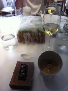 Oak moss, truffle toast, jelly of quail and crayfish cream with Pichler Riesling
